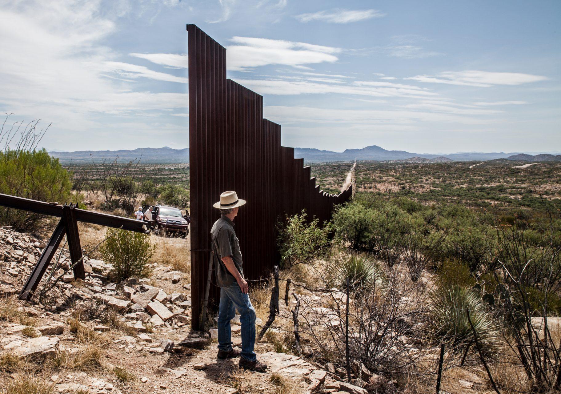 Der Zaun deckt nur 650 von 2.000 Grenzmeilen ab; in abgelegenen