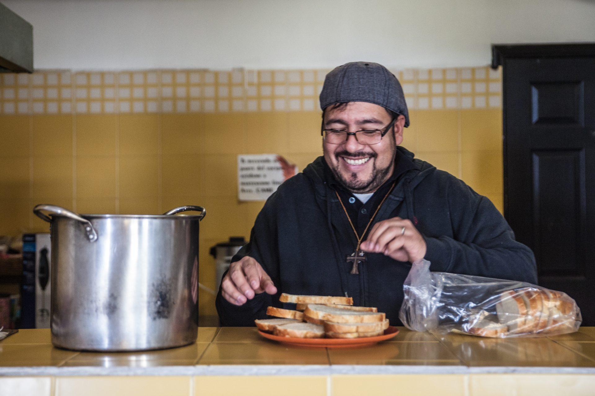 In der Migrantenunterkunft von Agua Prieta versucht Betto Ramos